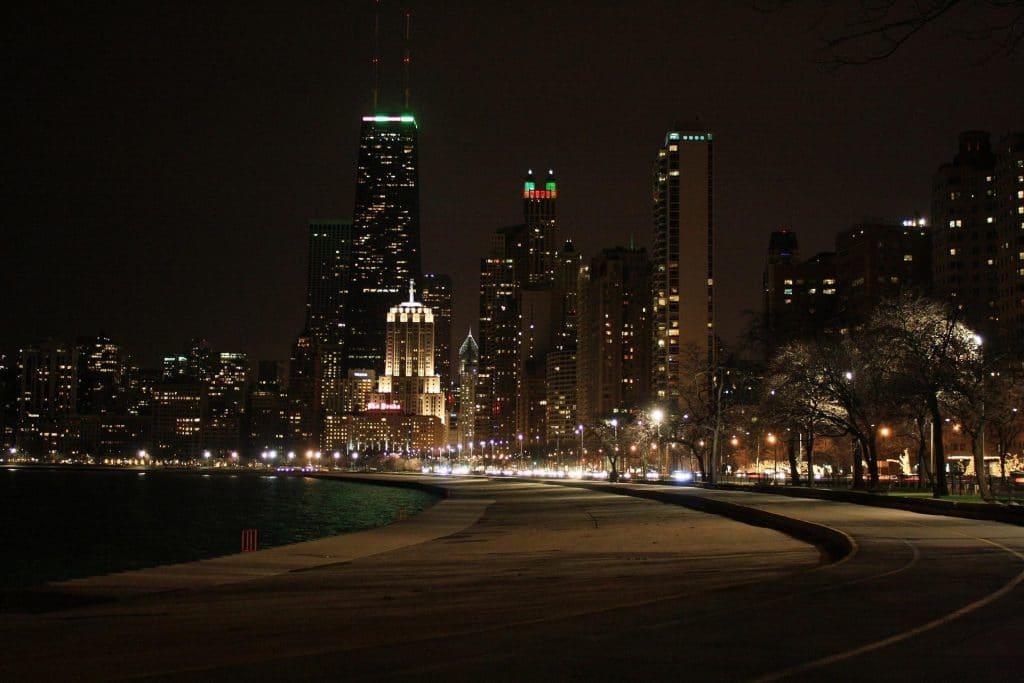 Chicago, Illinois city skyline at night